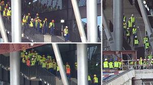 Skacząc, testują schody [br]Stadionu Narodowego