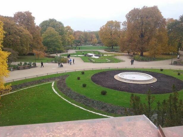 Widok z pałacu na Ogród Krasińskich tvnwarszawa.pl