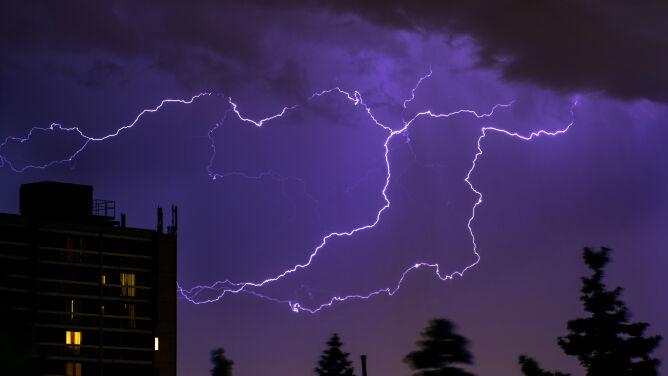 Intensywne opady i burze z gradem. Ostrzeżenia IMGW