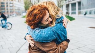 Jak wpływa na nas przytulanie? 404 wolontariuszy i dwutygodniowe badania