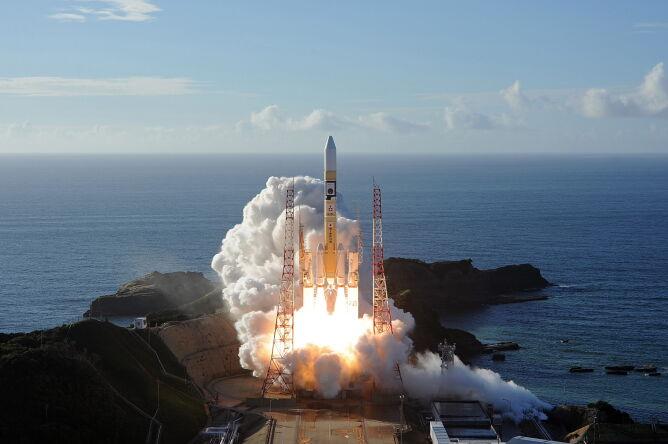 Sonda Nadziei wystartowała z japońskiego Centrum Lotów Kosmicznych Tanegashima (PAP/EPA/MITSUBISHI HEAVY INDUSTRIES HANDOUT)