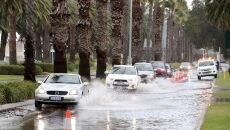 Zniszczenia po przejściu burzy w Australii (RICHARD WAINWRIGHT/PAP/EPA)